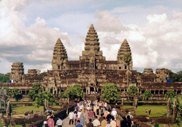 Angkor_Wat_W-Seite