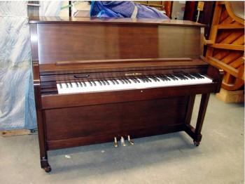 Charles-Walter-Piano