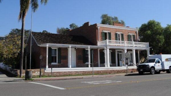The-Whaley-House-California-640