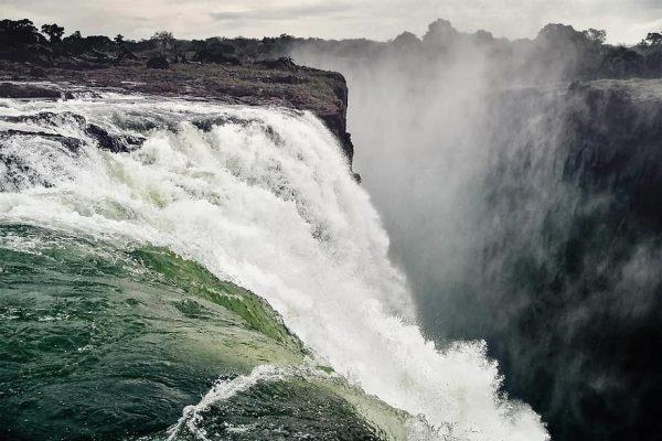 waterfall-victoria-falls