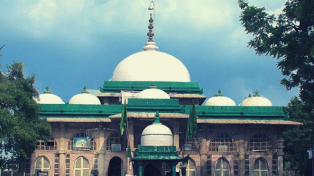 Shah E Alam Mosque